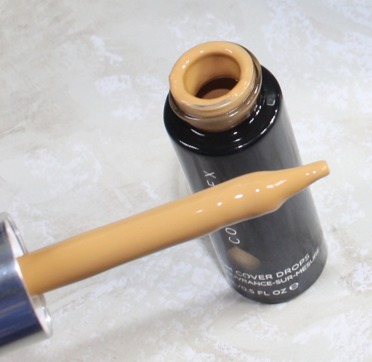 Here is the review, swatch and FOTD of the Charlotte Tilbury Magic Foundation.