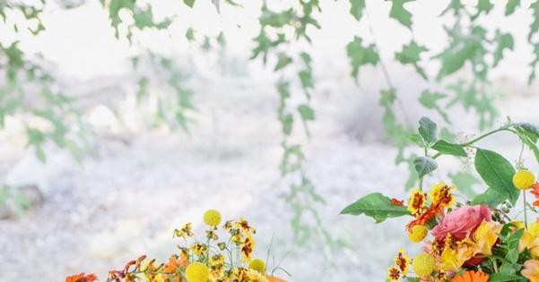 8 Color Inspiring Place Settings: Bright + Beautiful