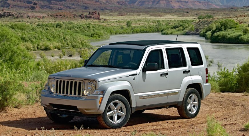 Richiamo auto Fiat Chrysler Jeep Liberty, difetto alle sospensioni