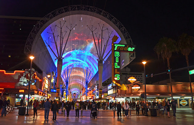 A famosa Fremont Street em Las Vegas