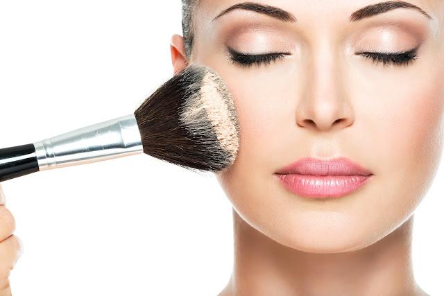 Cara Pakai Make Up Biar Nggak Kelihatan Kalau Pakai Make up. Cocok Banget Buat Kalian para Ladies!
