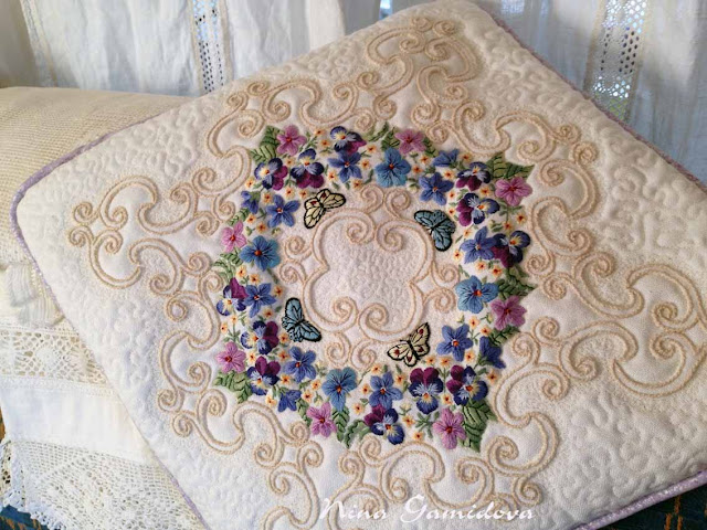 чехол для подушки с вышивкой