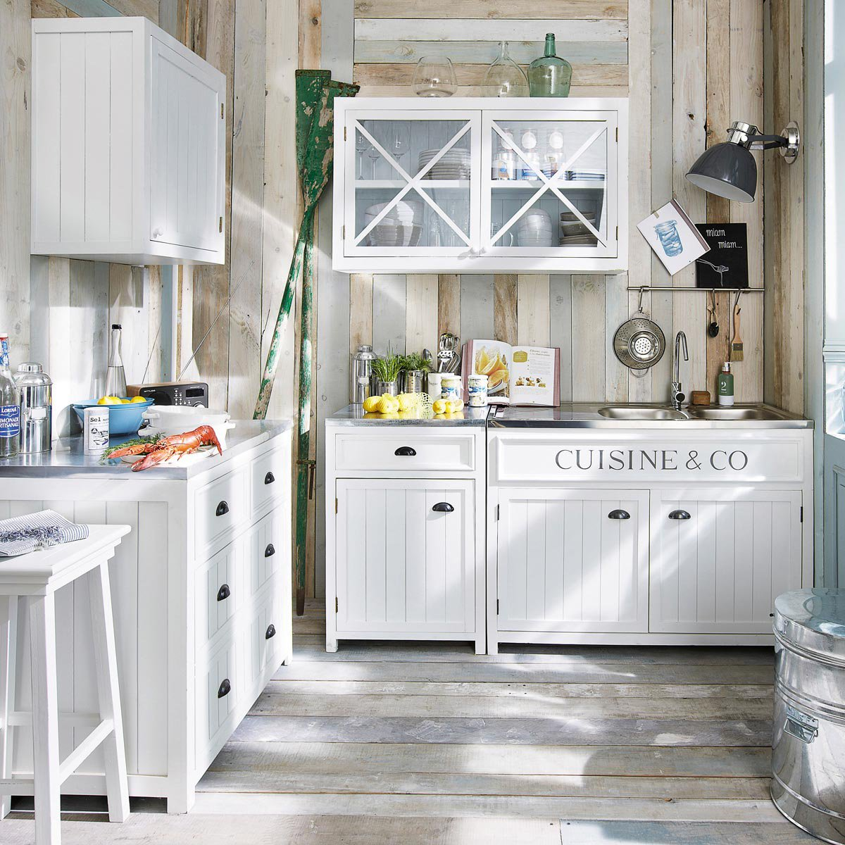 Boiserie c be inspired by cottage style Cuisine maison du monde