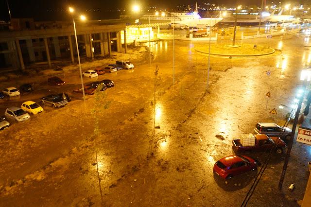 Πλημμύρισε και πάλι το λιμάνι της Ηγουμενίτσας - Διεκόπη η κυκλοφορία στην παραλιακή (+BINTEO)