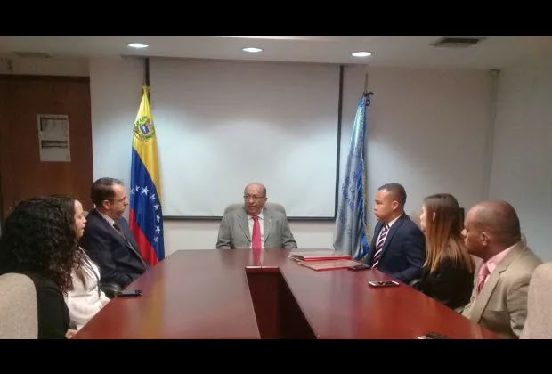 Contraloría inicia investigación contra Capriles por presuntos hechos de corrupción