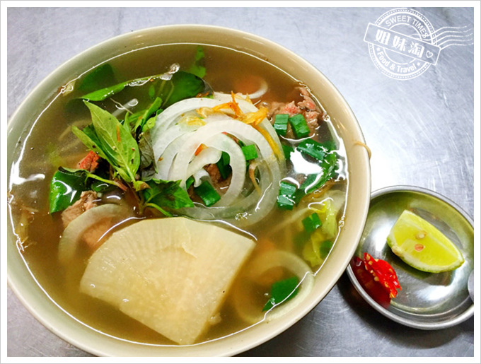 龍華市場越南河粉-龍華市場的霸主之千萬不要錯過必點鴨肉
