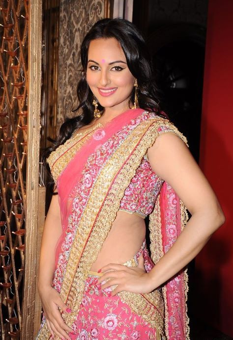 Bollywood Baby Sonakshi Sinha Pictures In Pink Saree