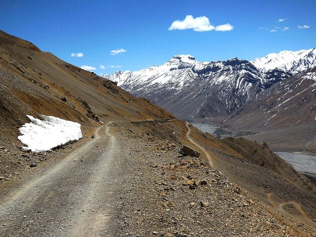 Way down from villages to Kaza