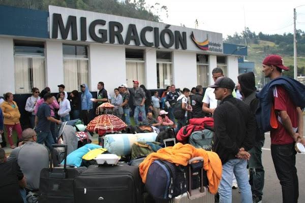 Ecuador exigirá a venezolanos presentación de pasaporte para ingresar al país