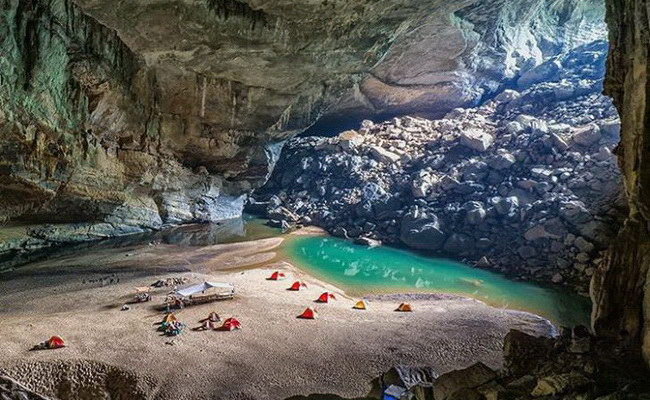 Xvlor.com Phong Nha-Kẻ Bàng National Park is cave and underground river systems
