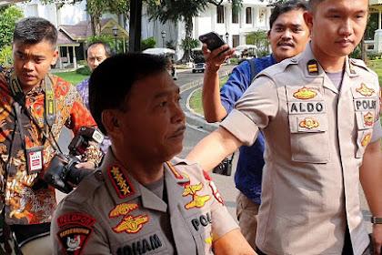 Hmm.. Ditunggu Jokowi Desember Ini, Kapolri Kabur Ditanya soal Kasus Novel