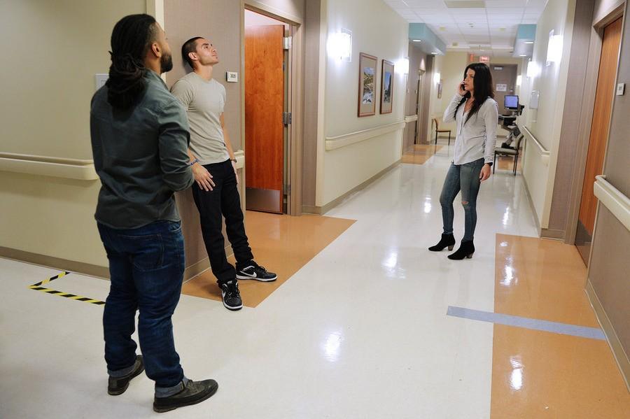 Graceland - Season 3 Episode 1: B-Positive