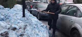 https://freshsnews.blogspot.com/2017/12/29-mple-hioni-erixe-stin-agia-petroypoli-panikos-stoys-katoikoys-vinteo.html