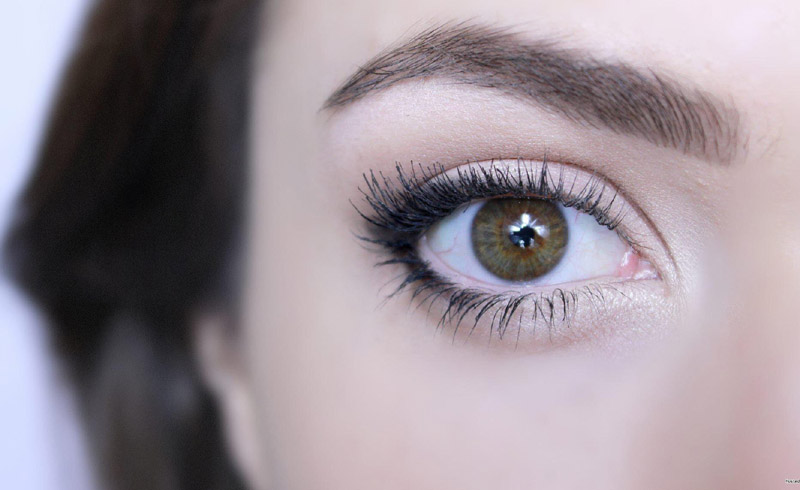 This Simple Beauty Trick Will Make Your Eyes Look Bigger and Brighter