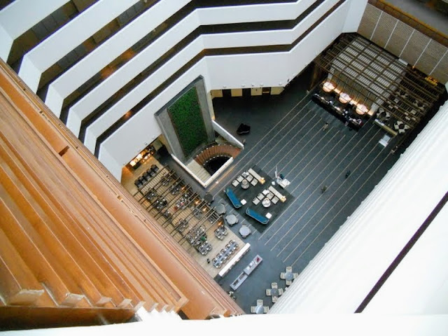 Points of interest in Hyderabad India: The lobby of the Westin Hyderabad Mindspace