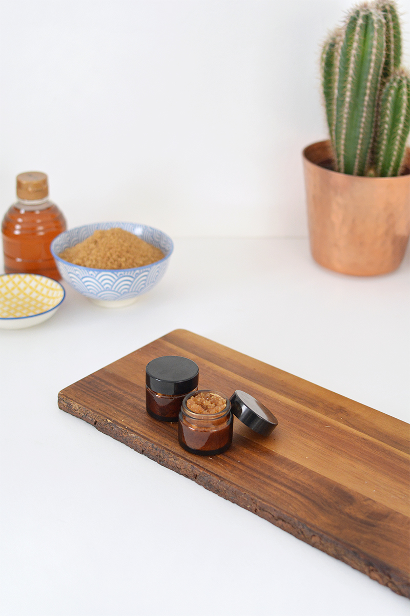 DIY organic sugar lip scrub @burkatron