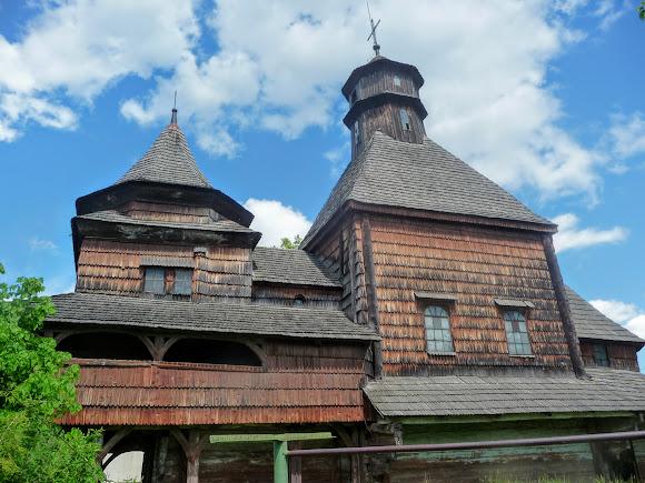 Дрогобыч. Церковь Воздвижения Честного Креста. 1661 г.
