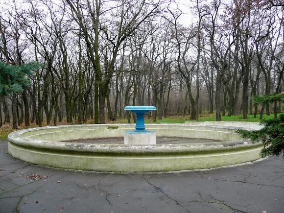 Костянтинівка. Не струмує вода в парковому фонтані