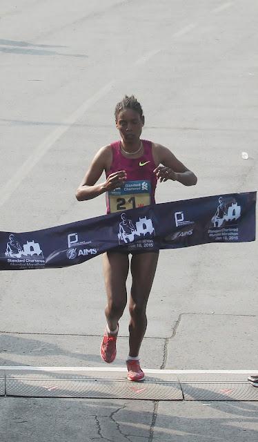 Dinknesh Mekash head the elite fields at the 2017 Standard Chartered Mumbai Marathon