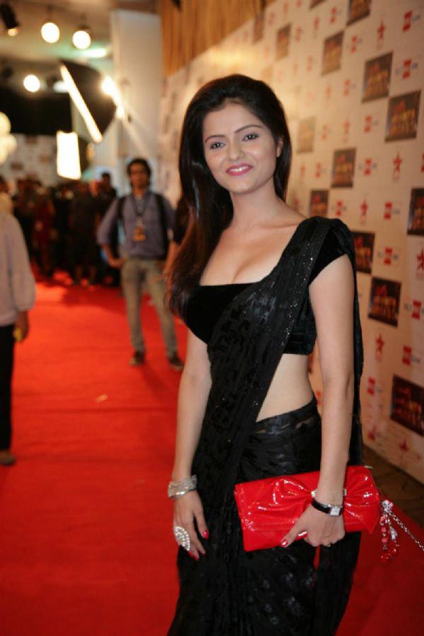 Rubina Dilak Hot Pics In Saree  Actress Wallpapers-5343