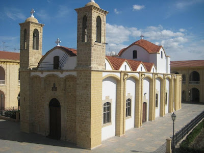 8. Ο περικαλλής Ιερός Ναός του Αγίου Προκοπίου Έγκωμης Λευκωσίας στο ομώνυμο μετόχι της Ιεράς Μονής Κύκκου. (www.imkykkou.com.cy)