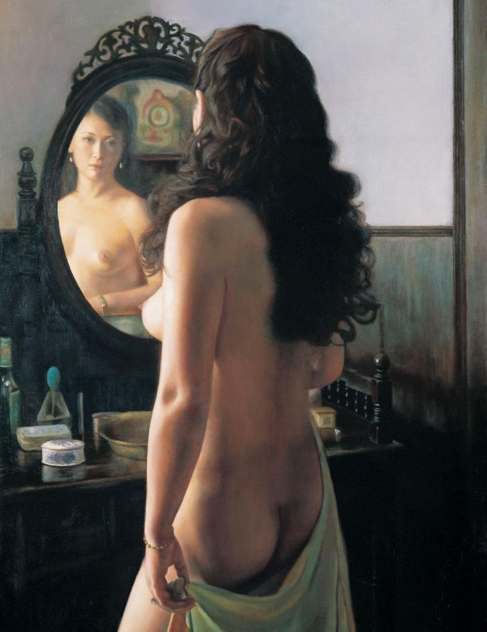 photo woman naked mirror