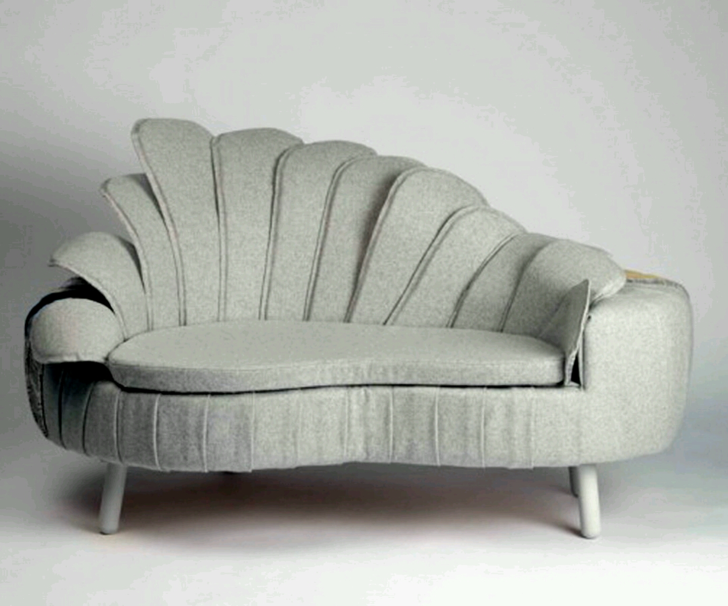 Modern Sofa Chair Designs: Modern Beautiful White Sofa Designs.