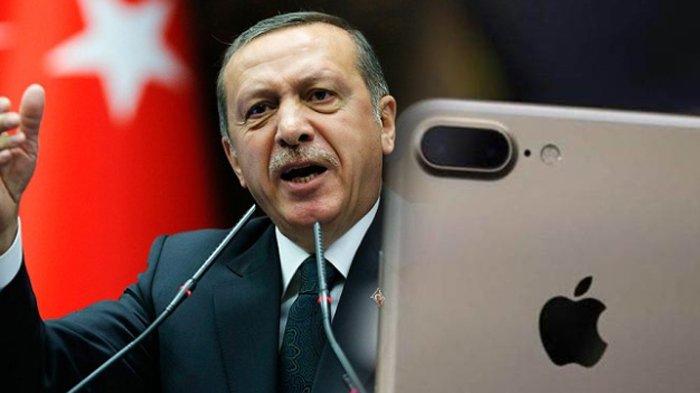 Marah pada AS, Warga Turki Hancurkan iPhone dan Buang Coca-Cola