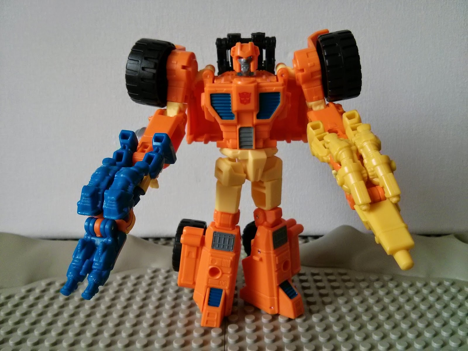 Scoop with caliburst and holepunch