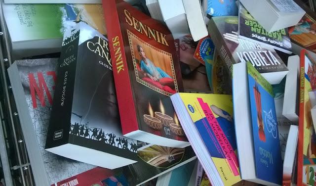 Między marmoladą, a ptasim mleczkiem, czyli o zakupach książkowych w Biedronce słów kilka!