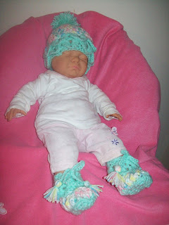 crochet baby crocodile hat and slippers