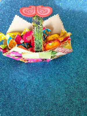 cesta-carton-caramelos-niños-manualidades