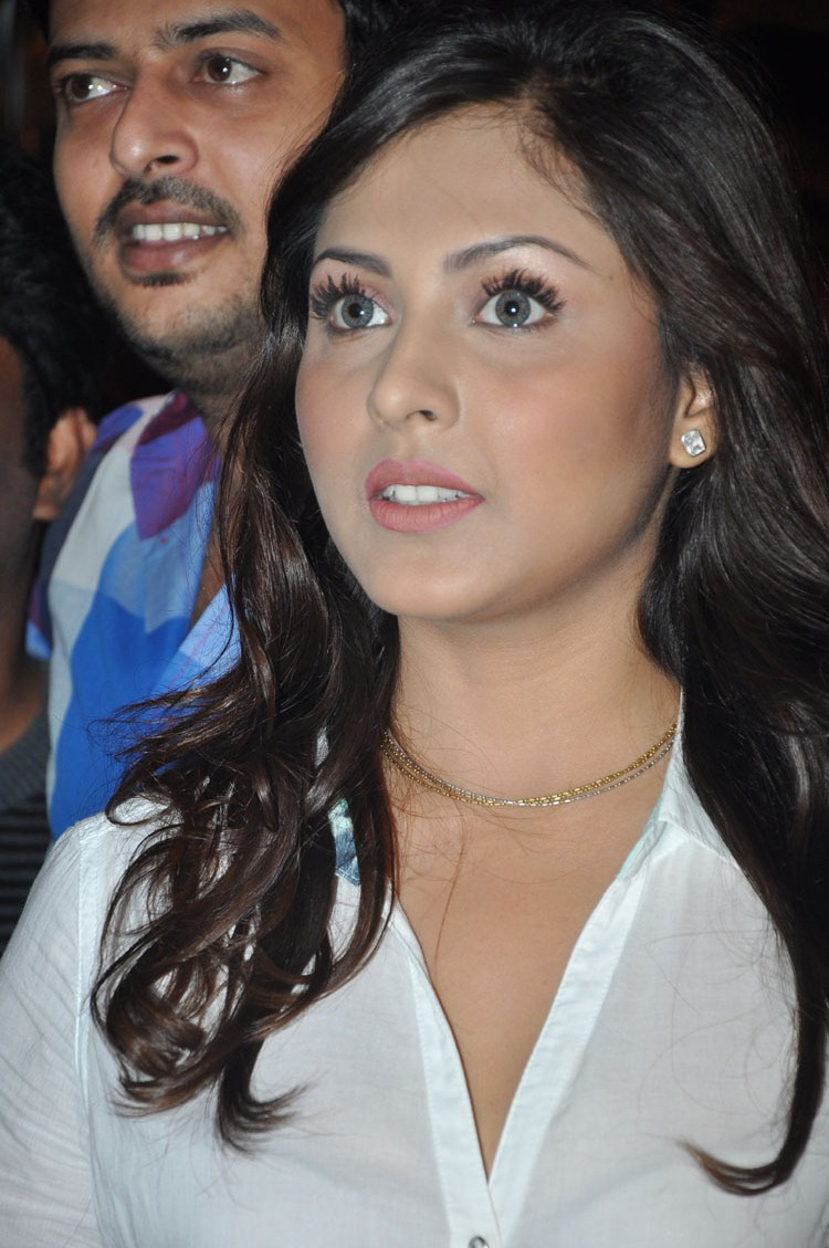 Madhu shalini latest hot pics in transparent shirt looking exotic