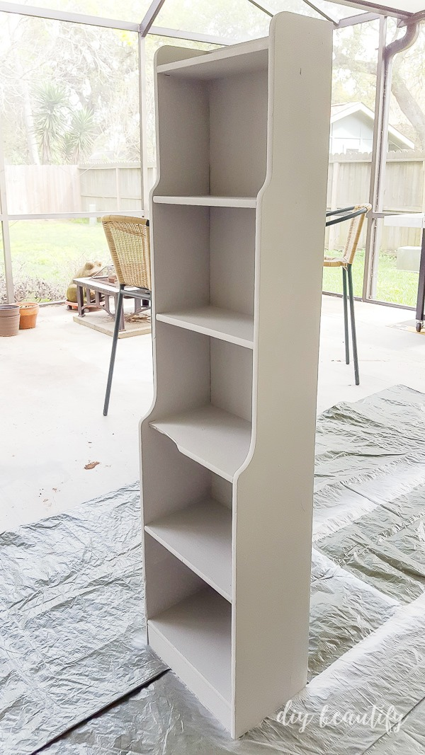 spray painted cabinet using Rustoleum Chalked