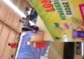 Niño se Atora en unas Escaleras Electricas