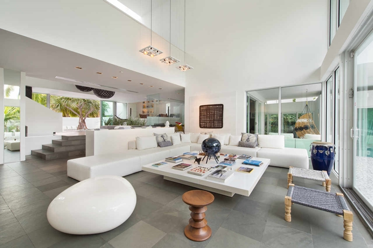 Living room of Modern mansion in Miami