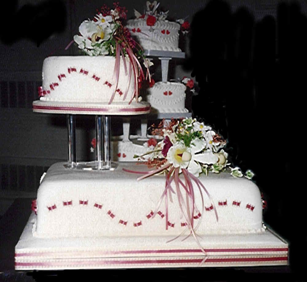 Easy Engagement Cake Ideas