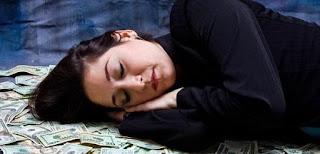 تفسير حلم المال لابن سيرين: المال أو النقود أو الفلوس في المنام: