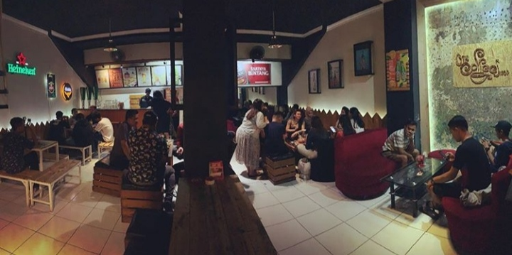 Cafe HITS Kediri 24 jam