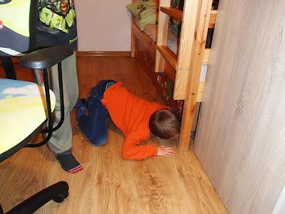 wizyta Mikołaja, prezenty mikołajowe, oczekiwanie na Mikołaja, poszukiwanie prezentów