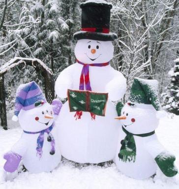 Foto de muñecos de Nieve grande y pequeños