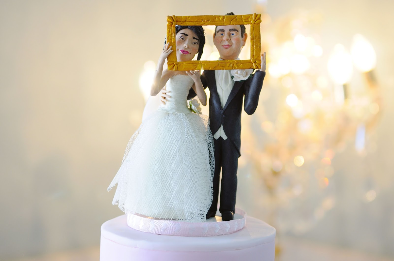 wedding cake topper figurines