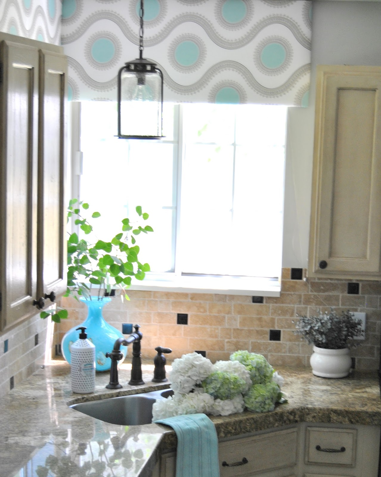 Studio 7 Interior Design: Kitchen Styling- A Little Goes a Long Way!