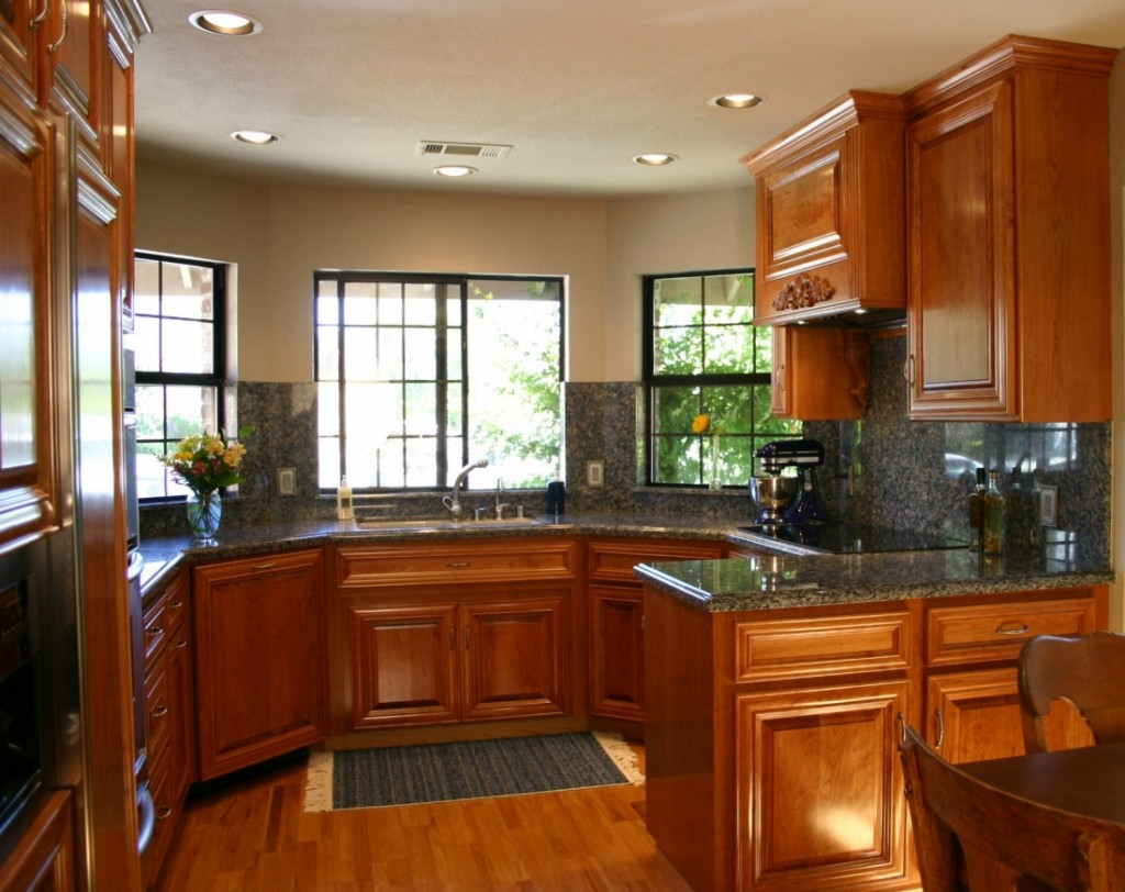 Kitchen design ideas for small kitchens 2013 for Small kitchen cabinets