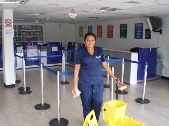 Se busca operario/a para limpieza con o sin experiencia