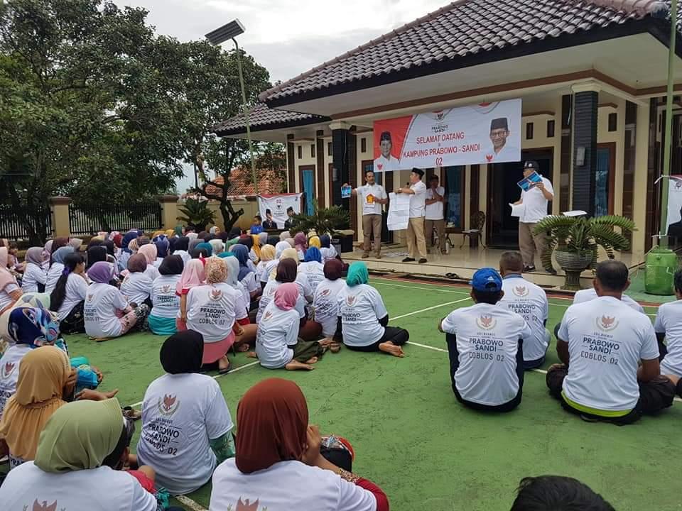 Relawan Sosialisasikan Visi-Misi Prabowo-Sandi kepada Petani