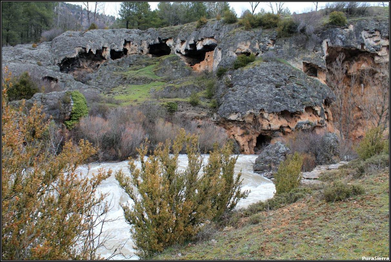 Cuevas Del Batán (Río Júcar, Uña)