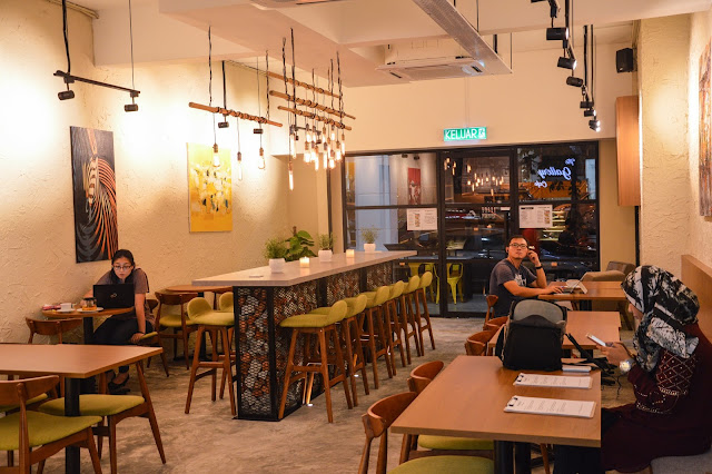 The Gallery Cafe, The Gallery Cafe Danau Desa, Menu The Gallery Cafe, great western food in Kuala Lumpur, cheap western food, sirloin steak with rosemary sauce, cajun chicken with salsa, best coffee in kuala lumpur,
