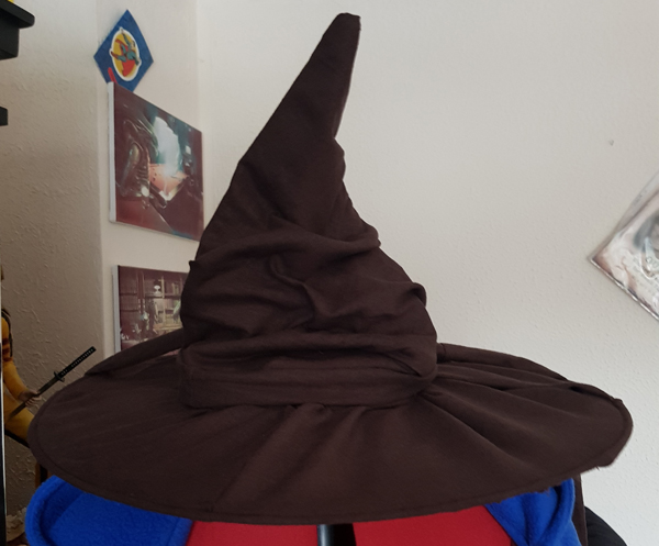 How I made The Sorting Hat from an old witch's hat