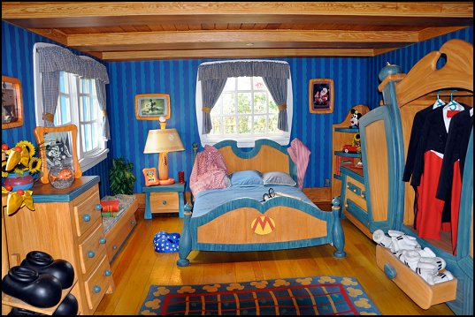 Mickey Mouse Bedroom Decor: Maries Manor: Mickey Mouse